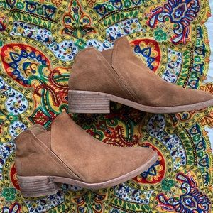 brown dolce bits booties